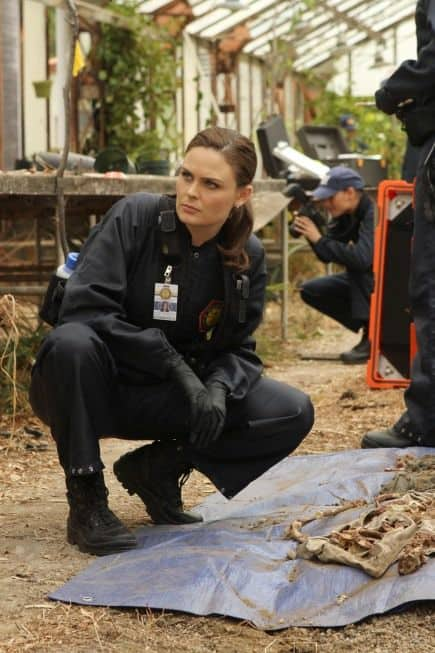 BONES Season 8 Episode 9 The Ghost In The Machine 7