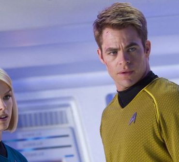 Chris Pine Alice Eve Star Trek Into Darkness