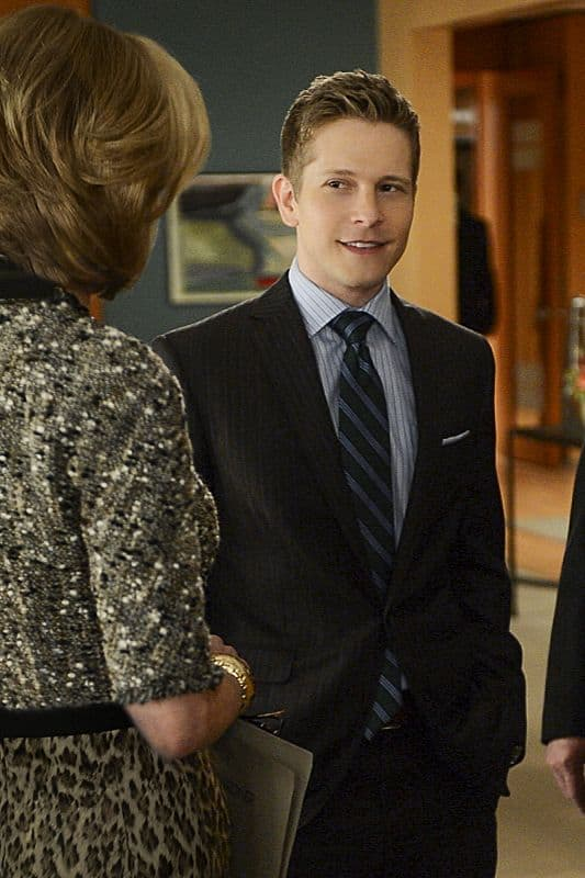 Cary (Matt Czuchry) is surprised when his father shows up in Chicago