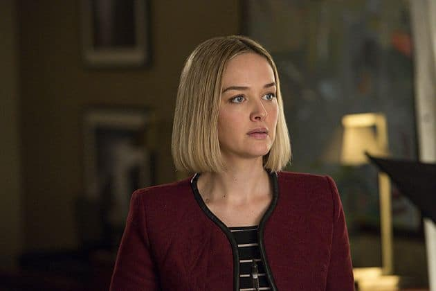 Robyn (Jess Weixler) assists Alicia's case