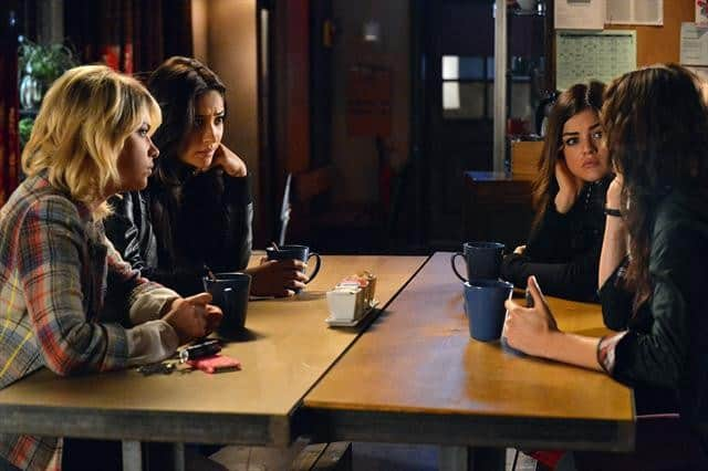 PRETTY LITTLE LIARS Season 3 Episode 20 Hot Water