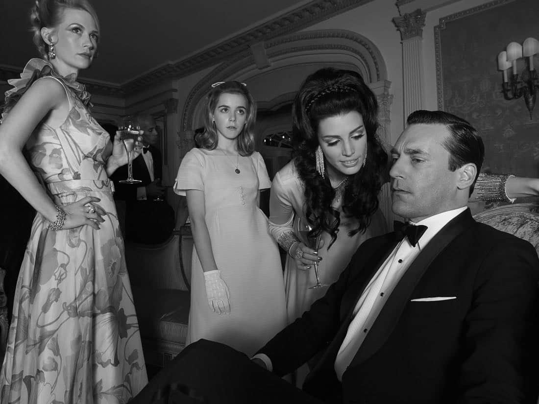 Betty Francis (January Jones), Sally Draper (Kiernan Shipka), Megan Draper (Jessica Pare) and Don Draper (Jon Hamm) - Mad Men_Season 6, Gallery - Photo Credit: Frank Ockenfels/AMC