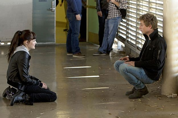 Emma Greenwell as Mandy Milkovich and Jeremy Allen White as Lip Gallagher in Shameless