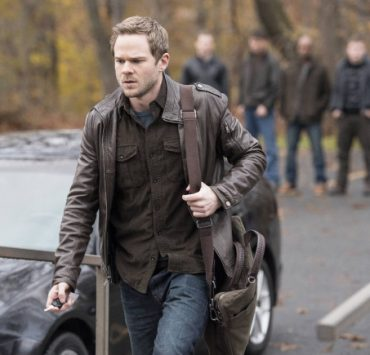 "Agent Weston (Shawn Ashmore) takes a break from work in the ""Welcome Home"" episode of THE FOLLOWING"