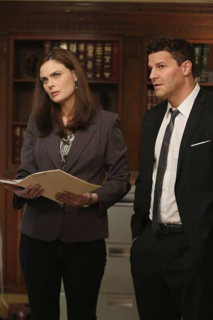 Brennan (Emily Deschanel, L) and Booth (David Boreanaz, R) interview an immigration lawyer