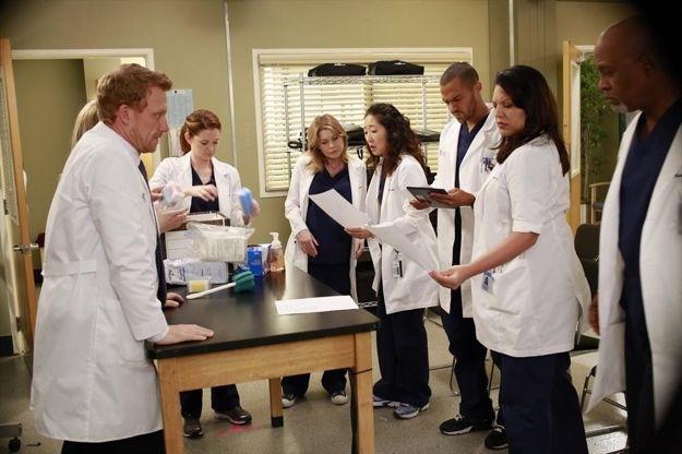 greys-anatomy-season-9-episode-20-shes-killing-me-8