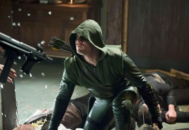 arrow-season-1-episode-21-the-undertaking-9