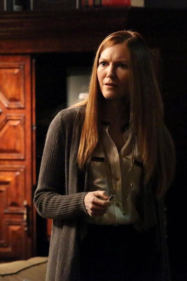 scandal-season-2-episode-22-white-hats-back-on-11