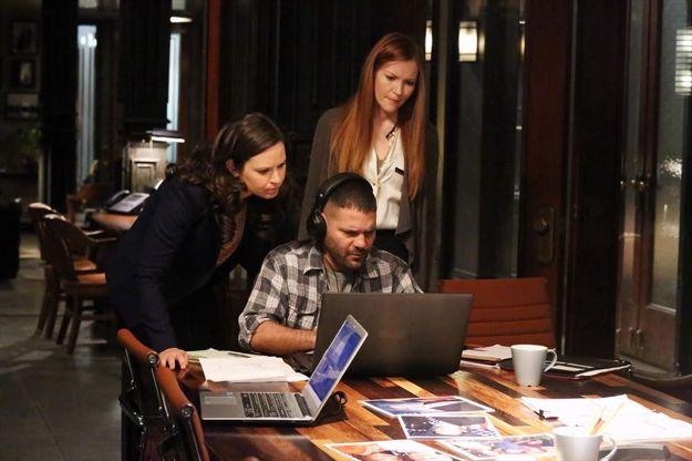 scandal-season-2-episode-22-white-hats-back-on-3