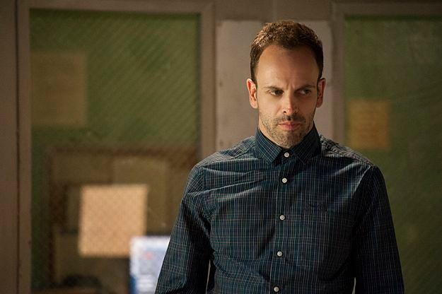 elementary-season-1-episode-24-heroine-1