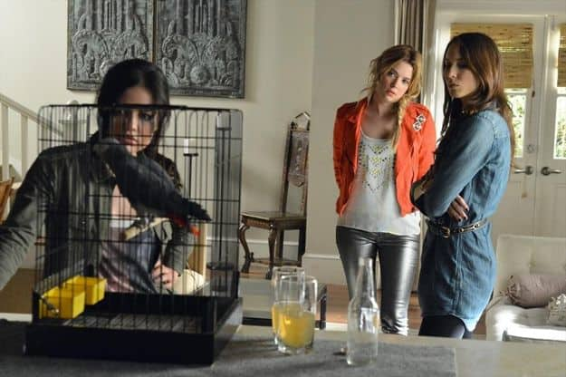 pretty-little-liars-season-4-episode-2-turn-of-the-shoe-1