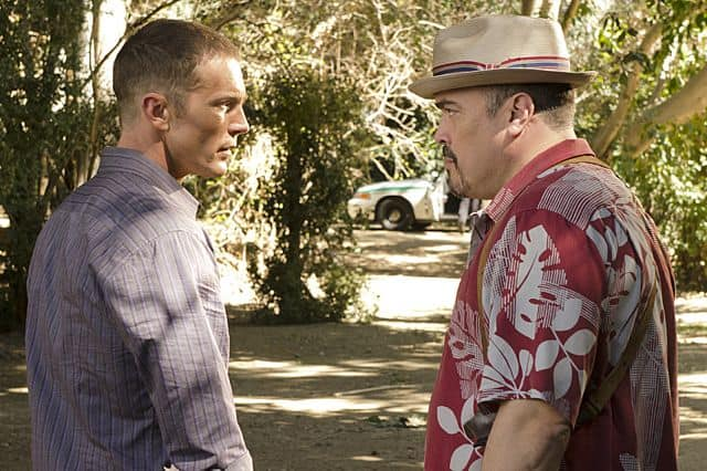 David Zayas as Angel Batista and Desmond Harrington as Joey Quinn in Dexter