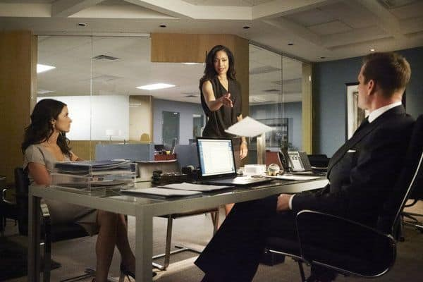 Abigail Spencer as Dana Scott, Gina Torres as Jessica Pearson, Gabriel Macht as Harvey Specter Suits - Season 3