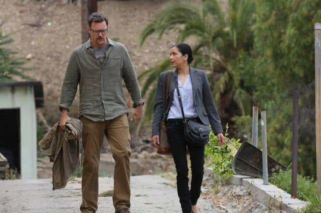 Matthew Lillard as Daniel Frye, Emily Rios as Adriana Mendez The Bridge Season 1 Episode 6 ID