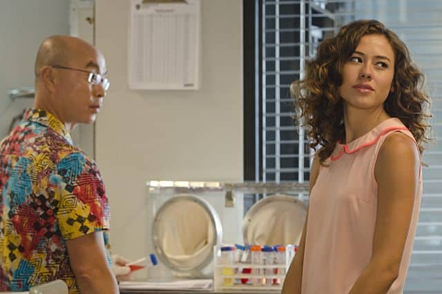 Dora Madison Burge as Niki and C.S. Lee as Vince Masuka in Dexter