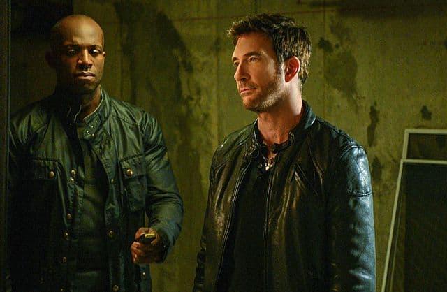 Hostages Duncan (Dylan McDermott) Archer (Billy Brown)