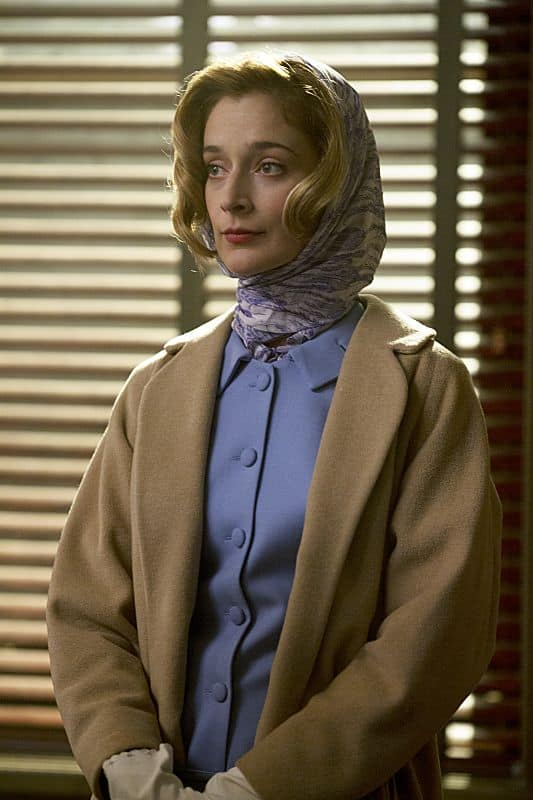 Caitlin Fitzgerald as Libby Masters in Masters of Sex (season 1, episode 2)