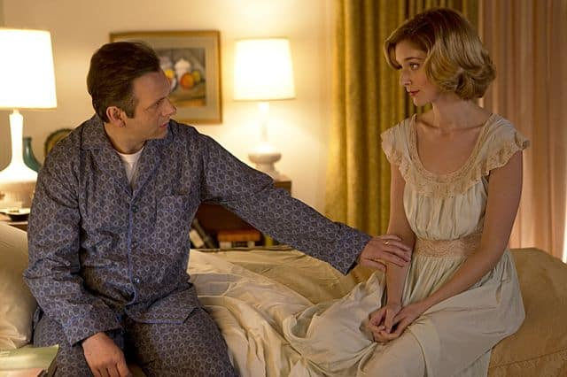 Michael Sheen as Dr. William Masters and Caitlin Fitzgerald as Libby Masters in Masters of Sex (season 1, episode 2)