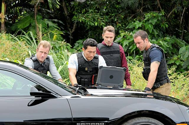 "Scott Caan as (Danny ""Danno"" Williams), Daniel Dae Kim as(Chin Ho Kelly), Tim Daly guest stars as a Texas Ranger and Alex O'Loughlin as (Steve McGarrett)"