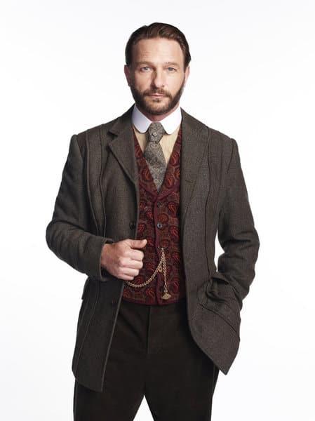 Thomas Kretschmann as Abraham Van Helsing Dracula Season 1