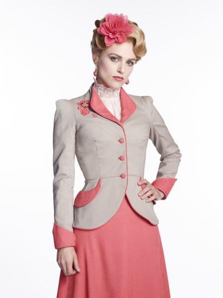 Katie McGrath as Lucy Westenra Dracula Season 1