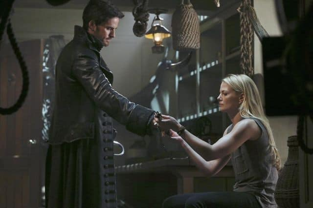 COLIN O'DONOGHUE, JENNIFER MORRISON Once Upon A Time Season 3
