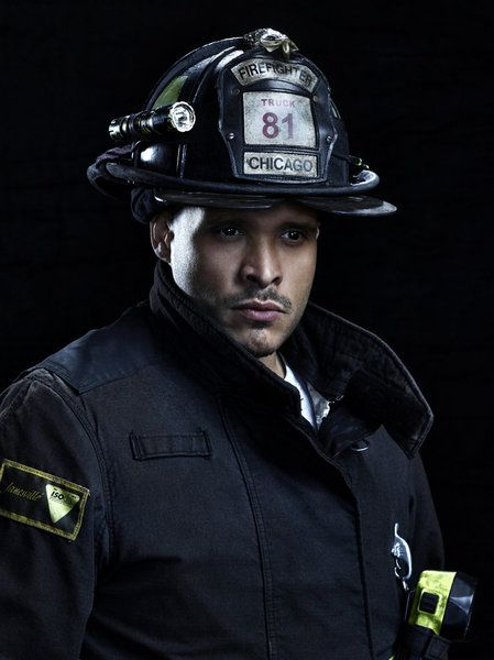 Joe Minoso as Joe Cruz Chicago Fire Season 2