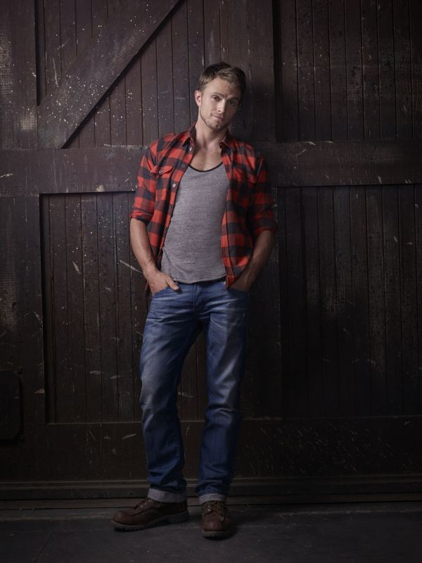 Wilson Bethel as Wade Kinsella HART OF DIXIE