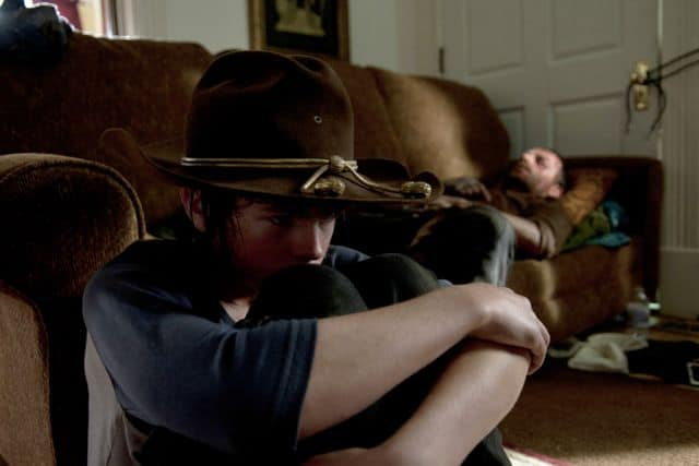 Carl Grimes (Chandler Riggs) and Rick Grimes (Andrew Lincoln) - The Walking Dead _ Season 4, Episode 9