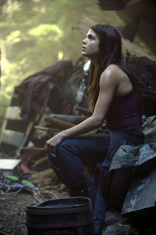 The 100 Season 1 Episode 3 5