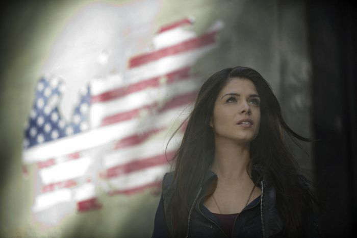 The 100 Marie Avgeropoulos as Octavia