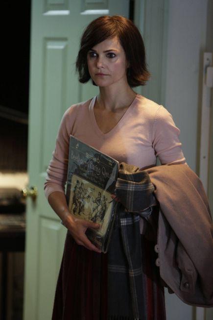 Keri Russell as Elizabeth Jenning The Americans Season 2 Episode 4