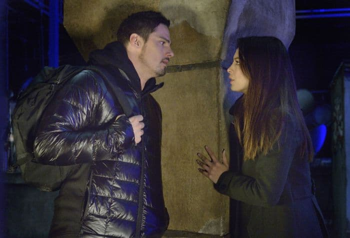 """Jay Ryan as Vincent and Kristin Kreuk as Catherine """"Beast Is The New Black"""""""