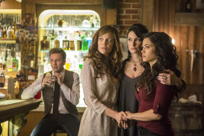 Witches Of East End 2x01 08
