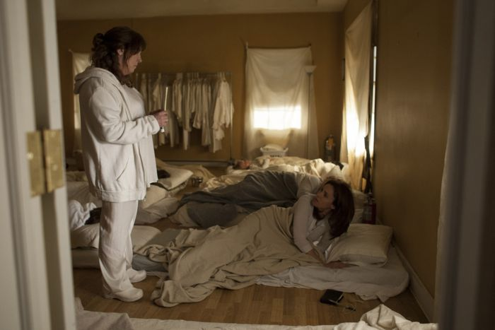 Patti Levin wakes Laurie to notify her that Meg is gone