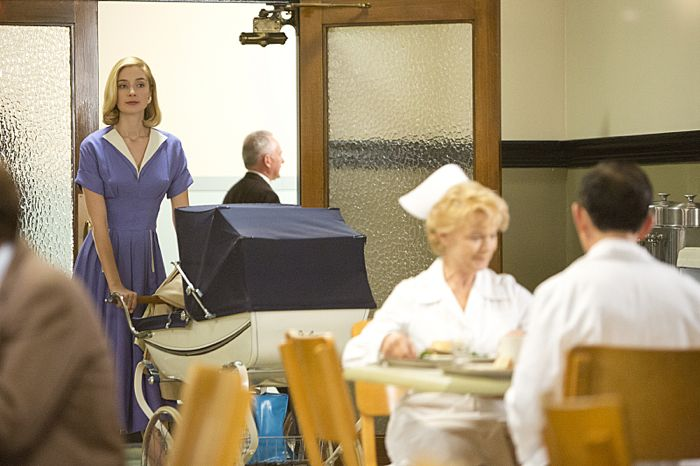 Caitlin Fitzgerald as Libby Masters in Masters of Sex (season 2, episode 1)