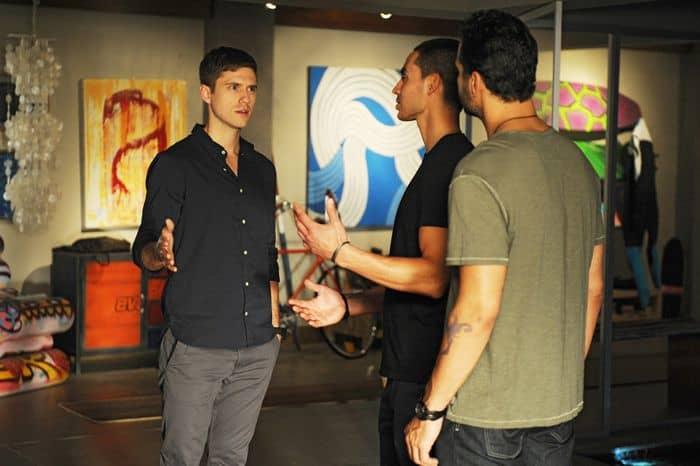 "Graceland Season 2 Aaron Tveit as Mike Warren, Manny Montana as Joe ""Johnny"" Turturro, Daniel Sunjata as Paul Briggs"