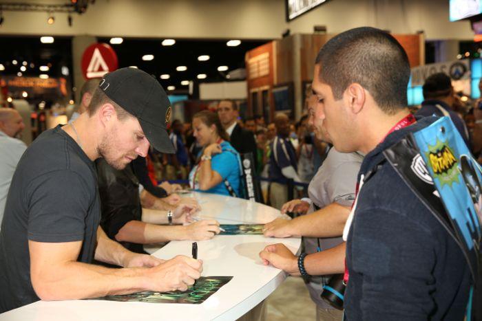Arrow Cast San Diego Comic Con 2014 09