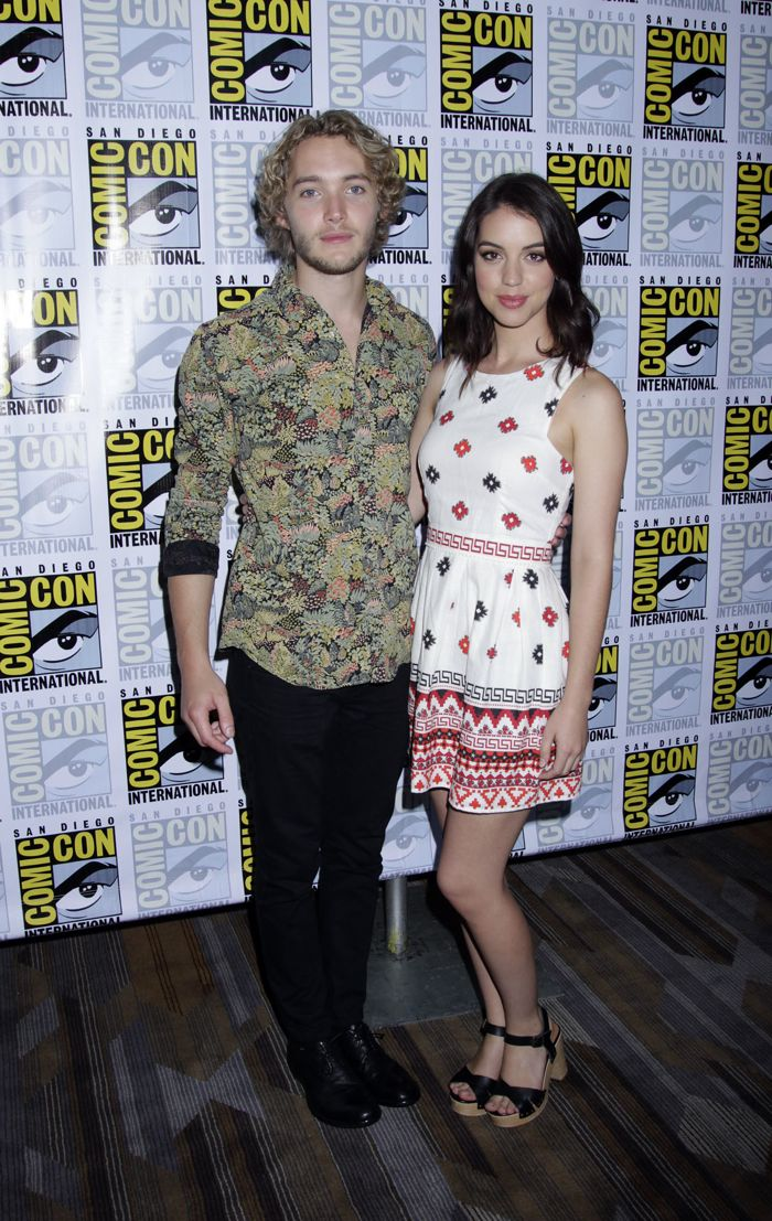 Toby Regbo and Adelaide Kane Comic Con