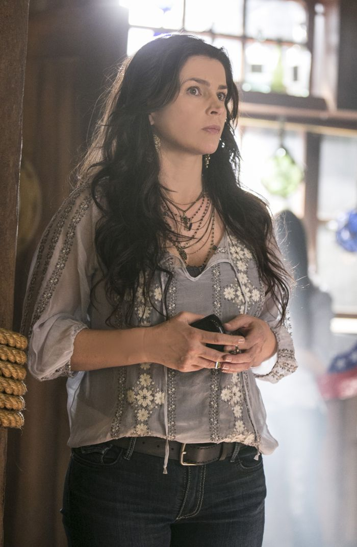 Witches Of East End 2x02 05