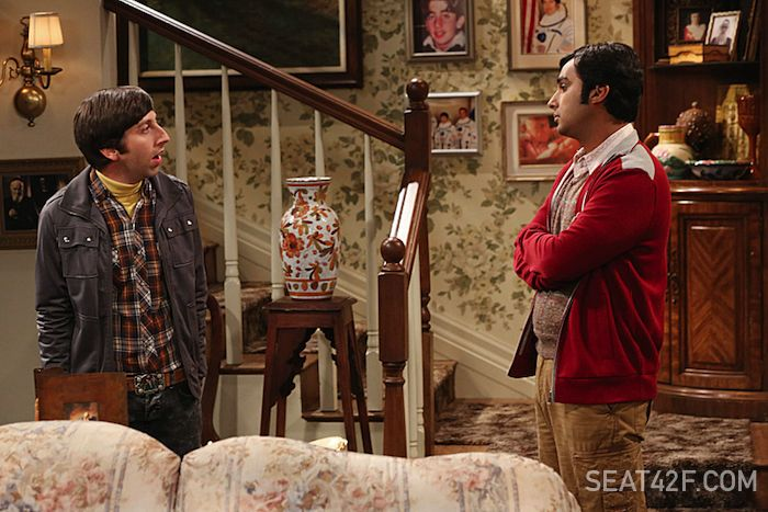 Simon Helberg and Kunal Nayyar TBBT The Locomotion Interruption