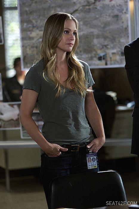 """A.J. Cook as Jennifer """"JJ"""" Jareau Criminal Minds"""