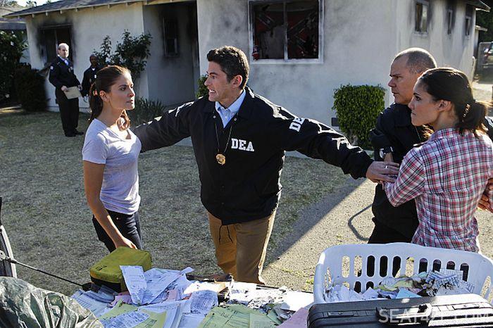 Mercedes Masohn as DEA Agent Talia Del Campo and Daniela Ruah (Special Agent Kensi Blye)