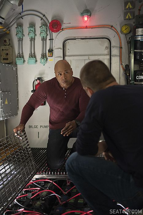 Chris O'Donnell (Special Agent G. Callen) and LL COOL J (Special Agent Sam Hanna).