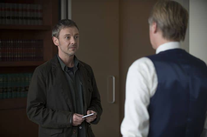 Intruders 1x02 Pictures 01