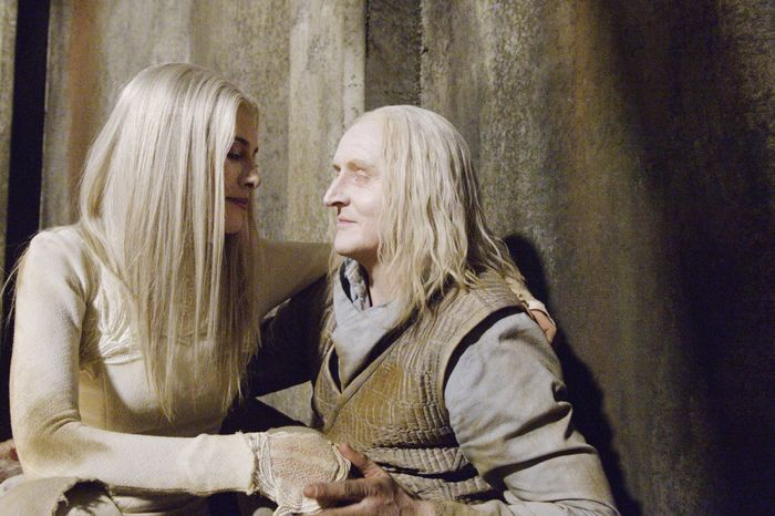 Defiance - Season 2 Jaime Murray as Stahma Tarr, Tony Curran as Datak Tarr