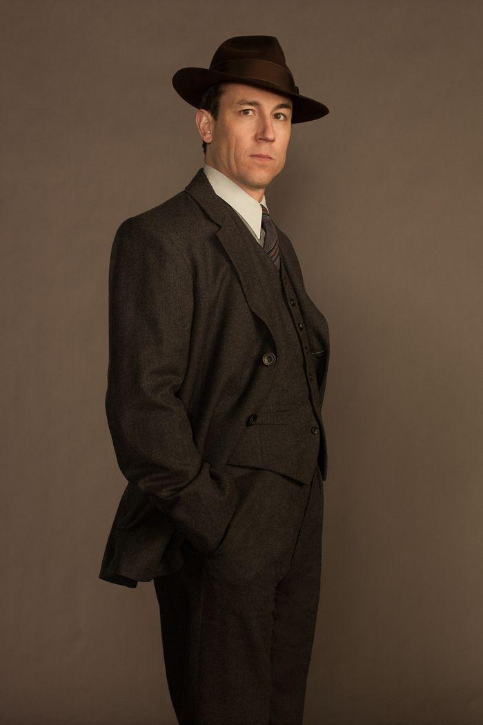 Frank Randall (Tobias Menzies) | OUTLANDER