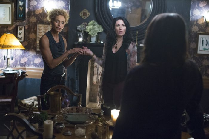 Witches Of East End 2x05 06