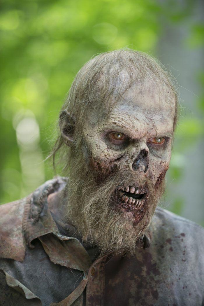 Walker - The Walking Dead _ Seasn 5, Episode 2 - Photo Credit: Gene Page/AMC