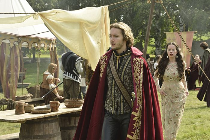 Toby Regbo as King Francis II and Anna Popplewell as Lola Reign Coronation